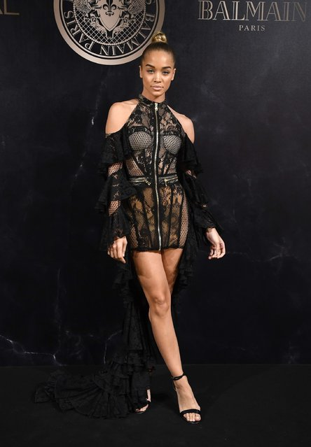 Jasmine Sanders attends the L'Oreal Paris X Balmain event as part of the Paris Fashion Week Womenswear  Spring/Summer 2018 on September 28, 2017 in Paris, France. (Photo by Pascal Le Segretain/Getty Images)