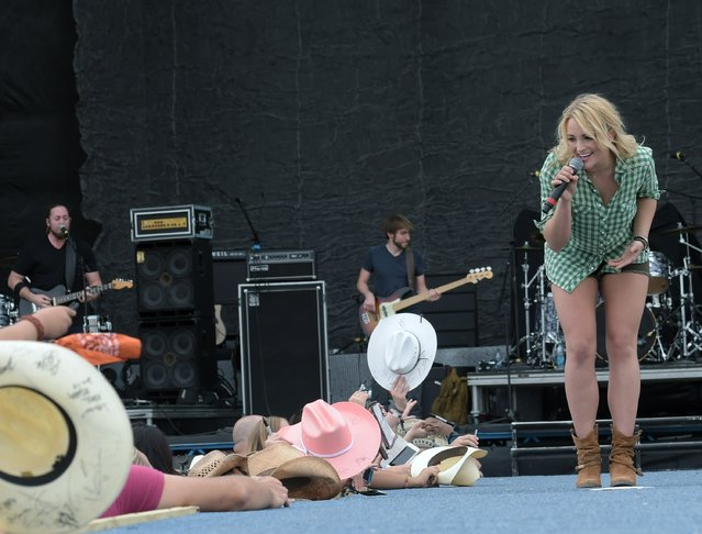 Singer/Songwriter Jamie Lynn Spears performs during Country Thunder USA – Day 3 on April 11, 2015 in Florence, Arizona. (Photo by Rick Diamond/Getty Images for Country Thunder USA)