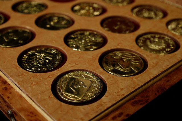 A set of 28 gold medallions by Pablo Picasso, estimated between $449,000 and $513,000 by Sotheby's, is shown at a preview by the auction house in Hong Kong, China January 13, 2017. (Photo by Bobby Yip/Reuters)