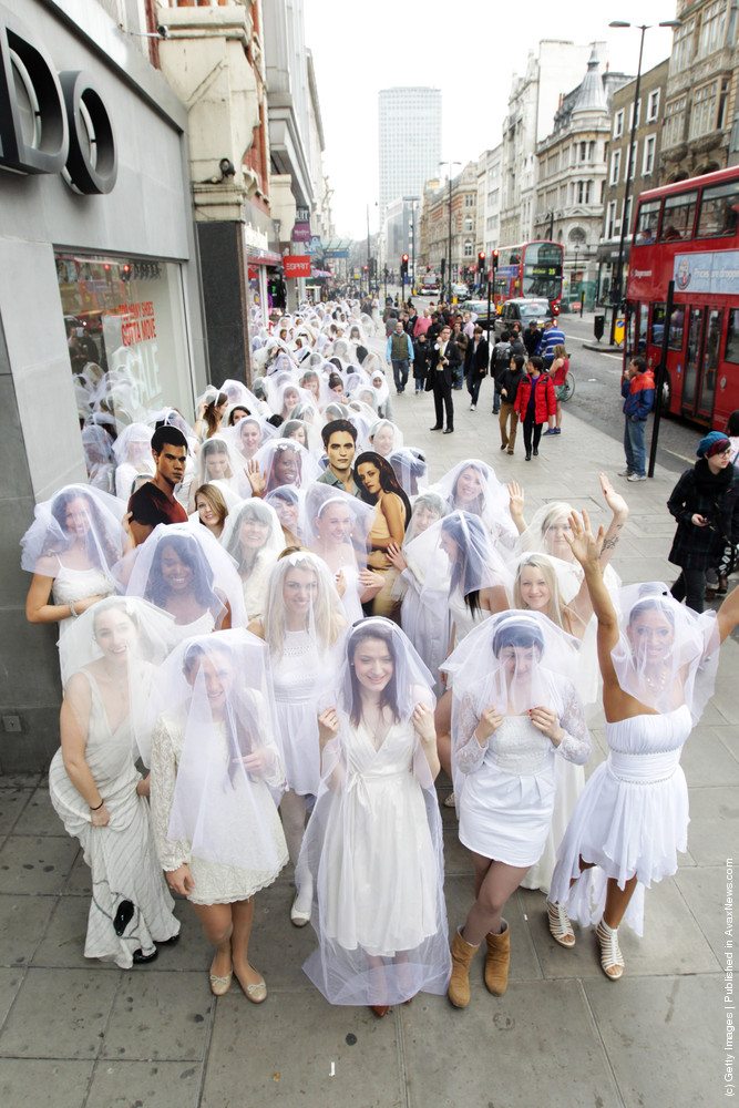 Twilight Breaking Dawn Part 1: Guinness World Record Attempt