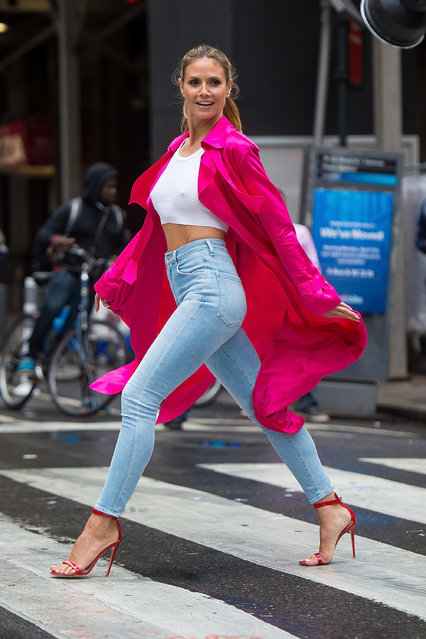 Model Heidi Klum is seen in Midtown on June 6, 2017 in New York City. (Photo by Gotham/GC Images)