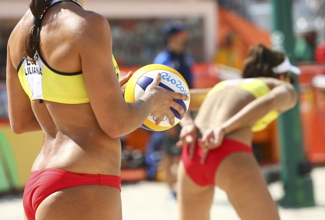 2016 Rio Olympics, Beach Volleyball, Women's Preliminary, Beach Volleyball Arena, Rio de Janeiro, Brazil on August 6, 2016. Liliana Fernandez Steiner (ESP) of Spain prepares to serve. (Photo by Ruben Sprich/Reuters)