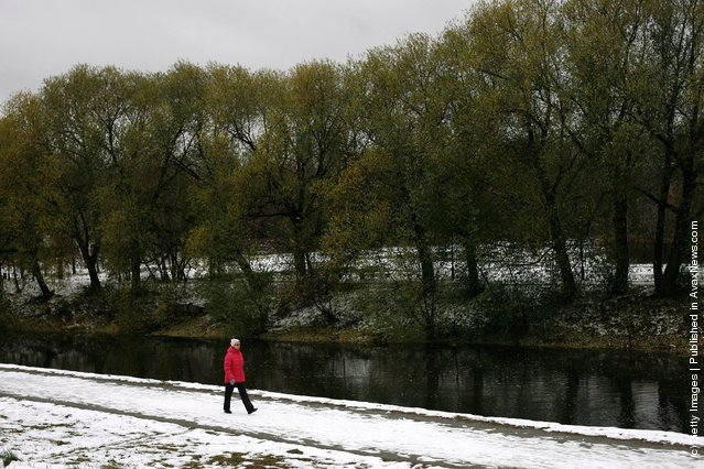 A woman walks through Yekaterinburg's central park