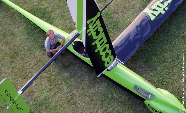 Ecotricity's Greenbird vehicle, designed and piloted by Richard Jenkins, broke the land speed world record for a wind-powered vehicle in 2009