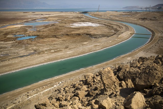 A canal leading to the Dead Sea is seen in Israel July 27, 2015. (Photo by Amir Cohen/Reuters)