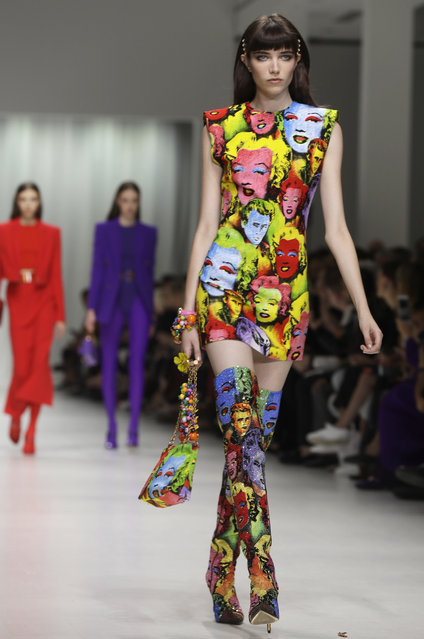 A model wears a creation as part of the Versace women's Spring/Summer 2018 fashion collection, presented in Milan, Italy, Friday, September 22, 2017. (Photo by Luca Bruno/AP Photo)