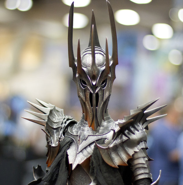 Awesome Sauron figurine