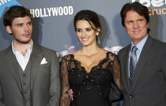 """(L to R) British actor Sam Claflin, Spanish actress Penelope Cruz and director Rob Marshal attend """"Pirates Of The Caribbean: On Stranger Tides"""" premiere at Kinepolis Cinema on May 18, 2011 in Madrid, Spain.  (Photo by Carlos Alvarez/Getty Images)"""