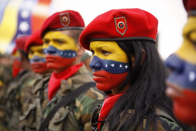 The president of Venezuela, Hugo Chavez, on Friday sent a message of greeting to year end the Bolivarian National Armed Forces, December 28, 2012. The same was read by the Vice President, Nicolas Maduro, in a ceremony held at the Air Base Teniente Luis Del Valle Garcia, Barcelona, Anzoategui state. (Photo by AVN)
