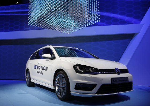 The Volkwagen Golf Sportwagen Hymotion fuel cell concept car on show at the Los Angeles Auto Show in California, November 19, 2014. (Photo by Mario Anzuoni/Reuters)