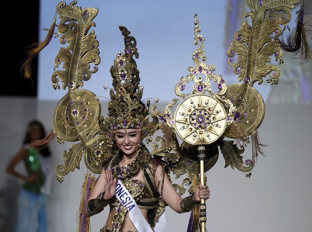 Chintya Fabyola representing Indonesia poses in her national dress during the 55th Miss International Beauty Pageant in Tokyo, Japan, November 5, 2015. Representatives of 70 countries and regions from all over the world took part in the annual beauty contest. (Photo by Toru Hanai/Reuters)