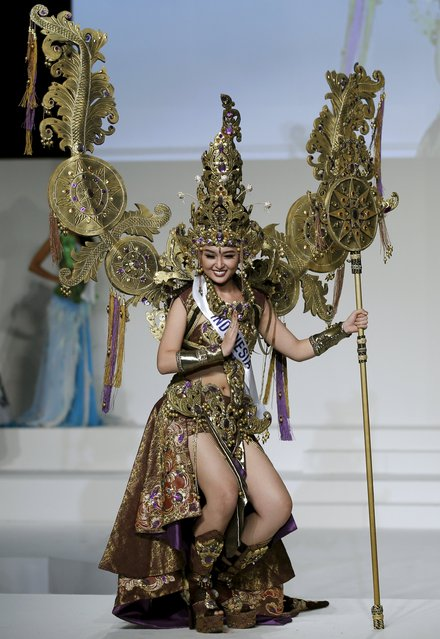 Chintya Fabyola representing Indonesia poses in national dress during the 55th Miss International Beauty Pageant in Tokyo, Japan, November 5, 2015. (Photo by Toru Hanai/Reuters)