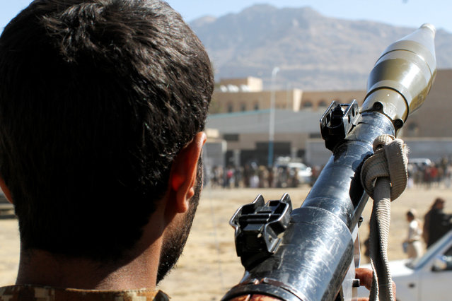 A Houthi rebel holds holds an RPG weapon during a rally held to mobilise fighters for the battles against government forces, in Sanaa, Yemen December 1, 2016. (Photo by Mohamed al-Sayaghi/Reuters)