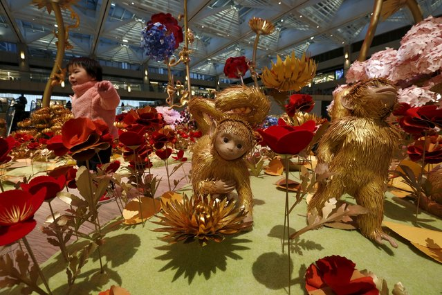 An installation featuring monkeys is displayed at a shopping mall in Hong Kong, China January 27, 2016, ahead of the Chinese New Year of Monkey which falls on February 8. (Photo by Bobby Yip/Reuters)