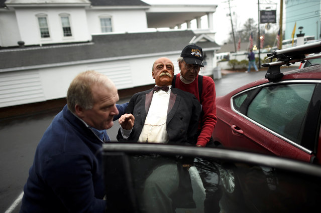 A wax figure of President William Howard Taft is loaded into a car after an auction of the Hall of Presidents Museum, which closed in November, in Gettysburg, Pennsylvania, U.S. January 14, 2017. (Photo by Mark Makela/Reuters)