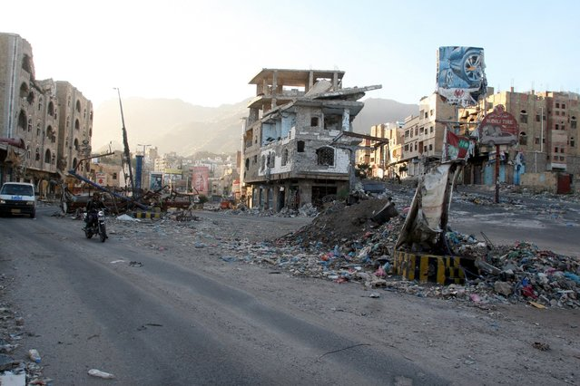 A view of buildings destroyed during recent fighting in Yemen's southwestern city of Taiz March 14, 2016. (Photo by Anees Mahyoub/Reuters)