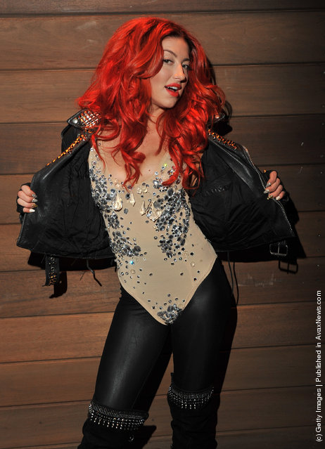 "Singer Neon Hitch visits ""Hoppus on Music"" at fuse Studios on March 6, 2012 in New York City"