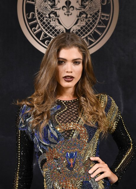 Sara Sampaio attends the L'Oreal Paris X Balmain event  as part of the Paris Fashion Week Womenswear  Spring/Summer 2018 on September 28, 2017 in Paris, France. (Photo by Pascal Le Segretain/Getty Images)
