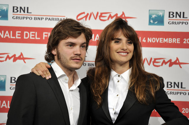 Actor Emile Hirsch (L) and actress Penelope Cruz attend the Penelope Cruz And Sergio Castellitto photocall during the 6th International Rome Film Festival on October 26, 2011 in Rome, Italy. (Photo by Gareth Cattermole/Getty Images)