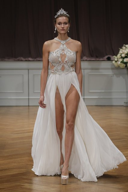 A model walks the runway at the Alon Livne White 2017 Bridal Collection at the Bohemian Benevolent and Literary Association on October 9, 2016 in New York City. (Photo by JP Yim/Getty Images for ALON LIVNE)