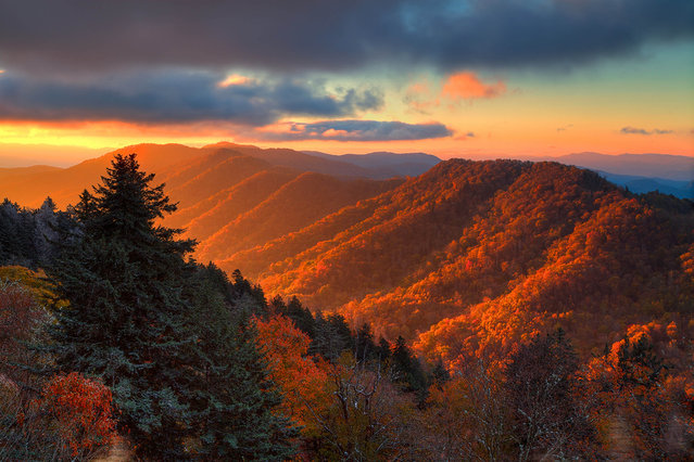 Sunrise Great Smoky Mountains National Park. (Photo by Caters News)
