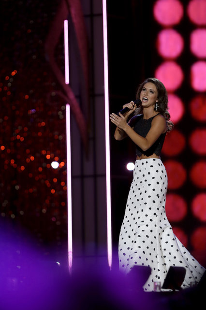 Miss Oklahoma Kelsey Griswold performs during the Miss America 2014 pageant, Sunday, September 15, 2013, in Atlantic City, N.J. (Photo by Mel Evans/AP Photo)