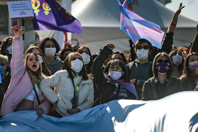 Protesters chat slogans during a demonstration in Istanbul,Saturday, March 27, 2021 against Turkey's withdrawal from Istanbul Convention, an international accord designed to protect women from violence. (Photo by Emrah Gurel/AP Photo)