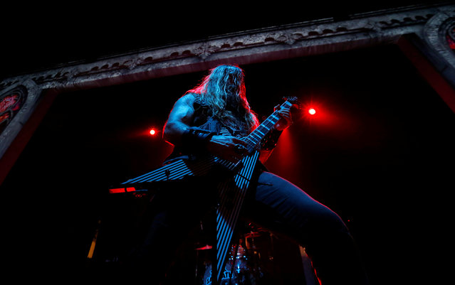 """Zakk Wylde performs after a news conference to announce the """"Ozzfest Meets Knotfest"""" music festival at the Hollywood Palladium in Los Angeles, U.S., May 12, 2016. (Photo by Mario Anzuoni/Reuters)"""