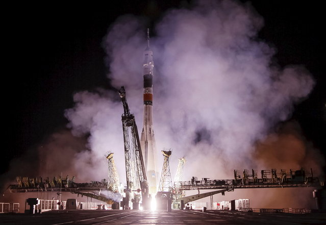 The Soyuz TMA-17M spacecraft carrying the International Space Station (ISS) crew blasts off from the launch pad at the Baikonur cosmodrome, Kazakhstan, July 23, 2015. (Photo by Shamil Zhumatov/Reuters)