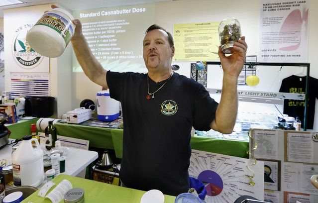 In this Thursday, July 10, 2014, photo, Mike Fitzgerald discusses how to prepare a cannabis-infused cooking oil during a cooking class at the New England Grass Roots Institute in Quincy, Mass. For many sick people, especially those with cancer, smoking marijuana is not a safe option, and some edibles can deliver a longer-lasting therapeutic dose that doesn't give them a buzz. (Photo by Michael Dwyer/AP Photo)