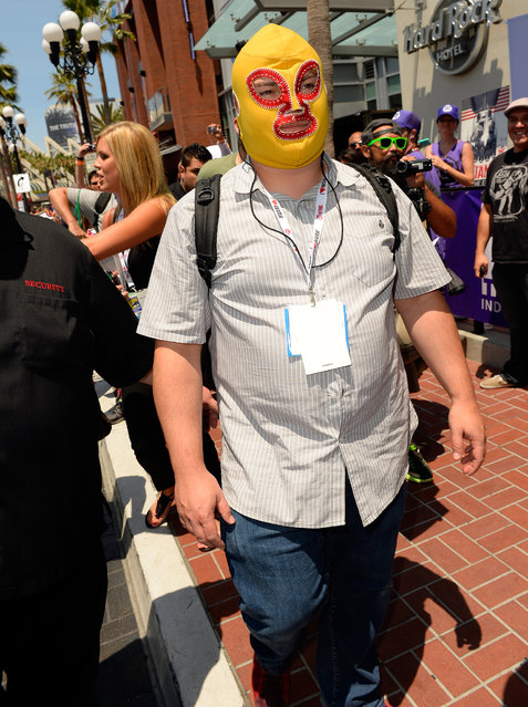 Actor Jack Black walks down the street during Comic-Con International at San Diego Convention Center on July 18, 2013 in San Diego, California. (Photo by Mark Davis/Getty Images)