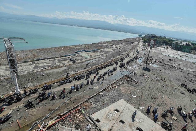 A general view of Taman Ria's beach which was hit by a tsunami, after a quake in West Palu, Central Sulawesi, Indonesia September 30, 2018 in this photo taken by Antara Foto. (Photo by Muhammad Adimaja/Reuters/Antara Foto)