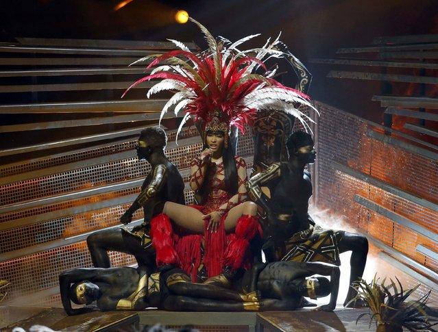 "Rap artist Nicki Minaj performs ""Trini Dem Girls"" at the 2015 MTV Video Music Awards in Los Angeles, California August 30, 2015. (Photo by Mario Anzuoni/Reuters)"