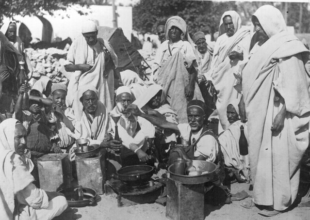 Oil seller on a street in Tripoli, circa 1930. (Photo by General Photographic Agency)