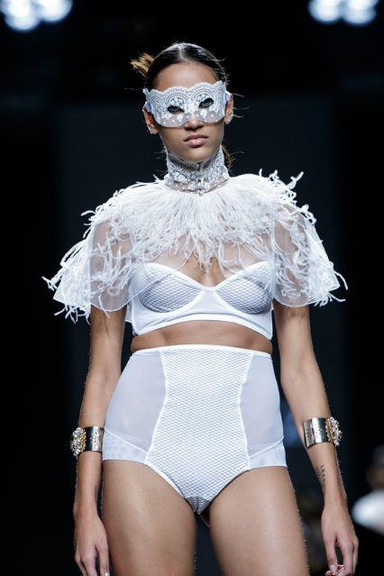 A model showcases designs by Ion Fiz on the runway at the Ion Fiz show during Mercedes-Benz Fashion Week Madrid Spring/Summer 2016 at Ifema on September 20, 2015 in Madrid, Spain. (Photo by Pablo Cuadra/Getty Images)