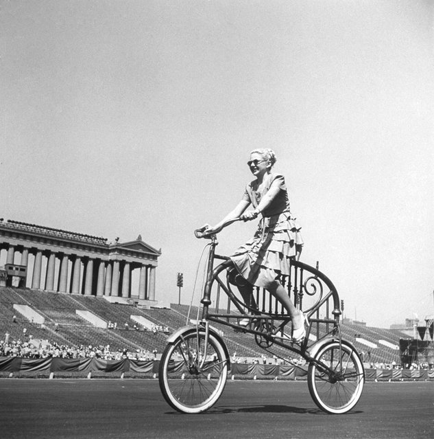 Bedstead Bike was dreamed up by Joe Steinlauf, who got the idea while lying around in bed one morning, 1948. (Photo by Wallace Kirkland/Time & Life Pictures)
