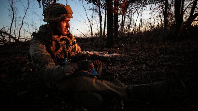 A Ukrainian soldier in a front line position in the village of Zholobok in eastern Ukraine's Luhansk region on November 7, 2018. (Photo by Serhii Nuzhnenko/Radio Free Europe/Radio Liberty)