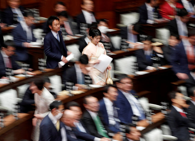 A kimono-clad female lawmaker arrives at the lower house of parliament in Tokyo, Japan on January 28, 2019. (Photo by Issei Kato/Reuters)