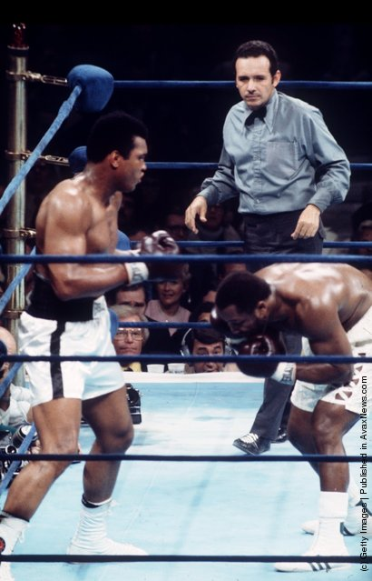 1974: MUHAMMAD ALI OUTPOINTS JOE FRAZIER IN NEW YORK