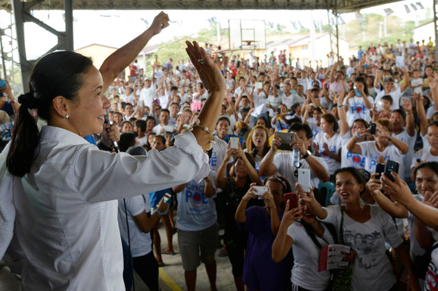 Presidential candidate Grace Poe waves to supporters during an election campaign in Pandi, Bulacan, Philippines May 6, 2016. (Photo by Ezra Acayan/Reuters)