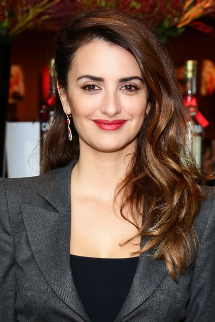 Actress Penelope Cruz attends the 2013 Campari Calendar unveiling press conference at Hotel Bulgari on November 13, 2012 in Milan, Italy. (Photo by Vittorio Zunino Celotto/Getty Images for Campari)