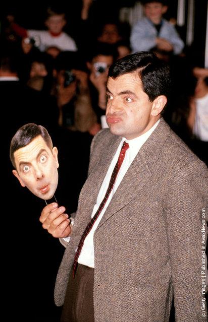 Rowan Atkinson poses at the world movie premiere of his BEAN movie
