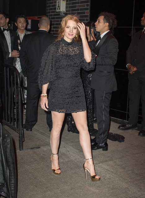 Jessica Chastain poses in an oversized black dress outside Met Gala after party on May 1, 2017. (Photo by 2PC-NWP/Splash News and Pictures)