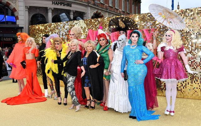 """Joanna Lumley and Jennifer Saunders (C) with drag queens attend the """"Absolutely Fabulous: The Movie""""  World Premiere at the Odeon Leicester Square on June 29, 2016 in London, England. (Photo by Gareth Cattermole/Getty Images)"""