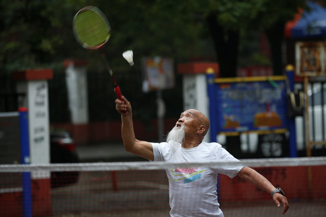 Kung Fu master Li Liangui plays badminton in Beijing, China, June 30, 2016. (Photo by Kim Kyung-Hoon/Reuters)