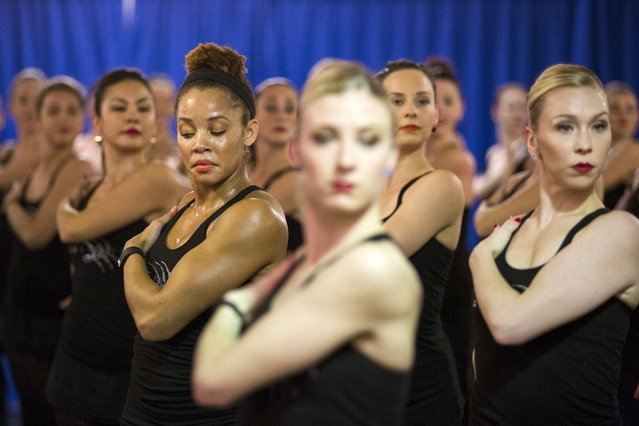 A dancer checks her positioning while rehearsing for the Rockettes 2015 Radio City Christmas Spectacular in New York October 15, 2015. (Photo by Lucas Jackson/Reuters)