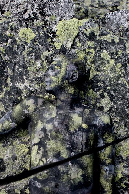 """""""Breaking Rock"""". (Photo by Johannes Stötter)"""