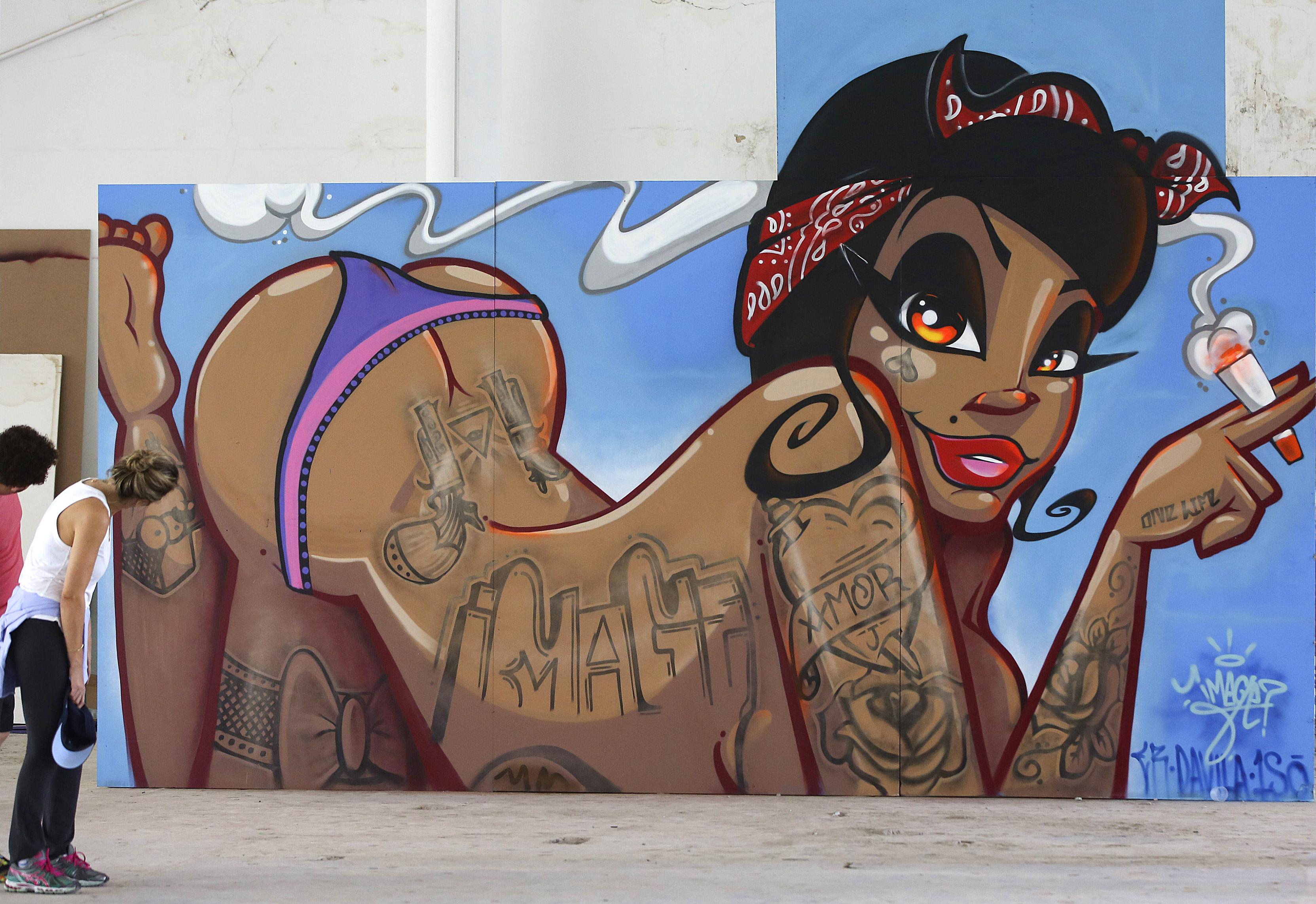 Sexy Graffiti By Kandeedrawings On Deviantart