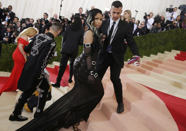 """Rapper Nicki Minaj arrives at the Metropolitan Museum of Art Costume Institute Gala (Met Gala) to celebrate the opening of """"Manus x Machina: Fashion in an Age of Technology"""" in the Manhattan borough of New York, May 2, 2016. (Photo by Eduardo Munoz/Reuters)"""