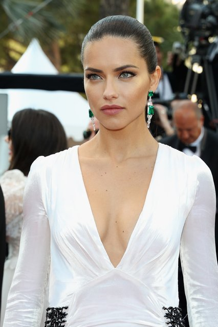 "Adriana Lima attends the ""Julieta"" premiere during the 69th annual Cannes Film Festival at the Palais des Festivals on May 17, 2016 in Cannes, France. (Photo by Andreas Rentz/Getty Images)"